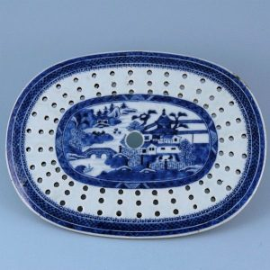 Chinese Export Porcelain Oval Drainer