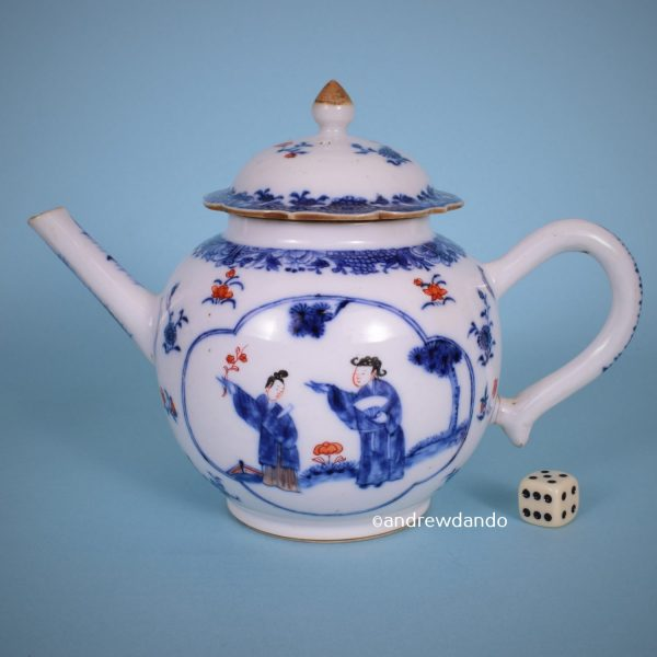 Chinese Export Porcelain Teapot.