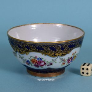 Chinese Export Porcelain Bowl.