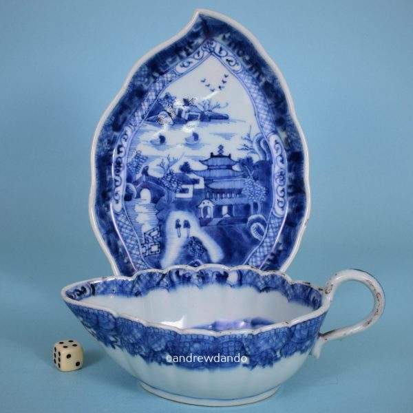 Chinese Export Porcelain Sauceboat & Stand.