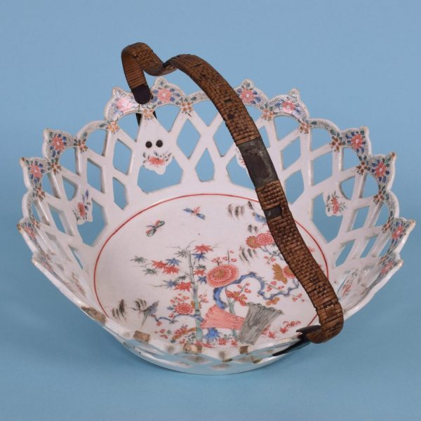 Bow Kakiemon Basket.