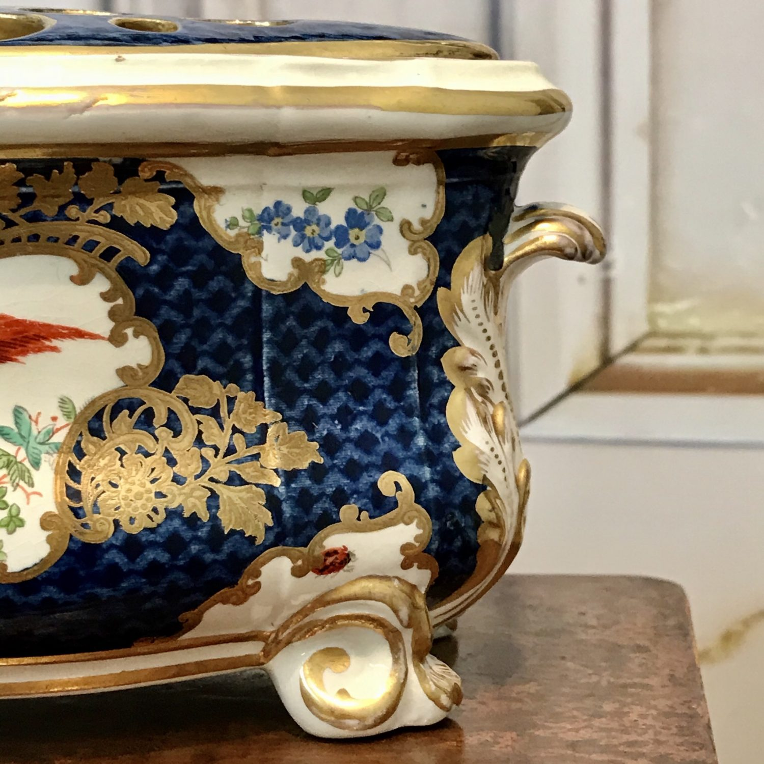 Worcester Style 'Scale Blue' Bough Pot & Cover, Booths.