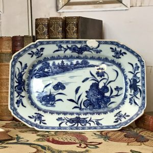 Chinese Export Porcelain Small Platter.