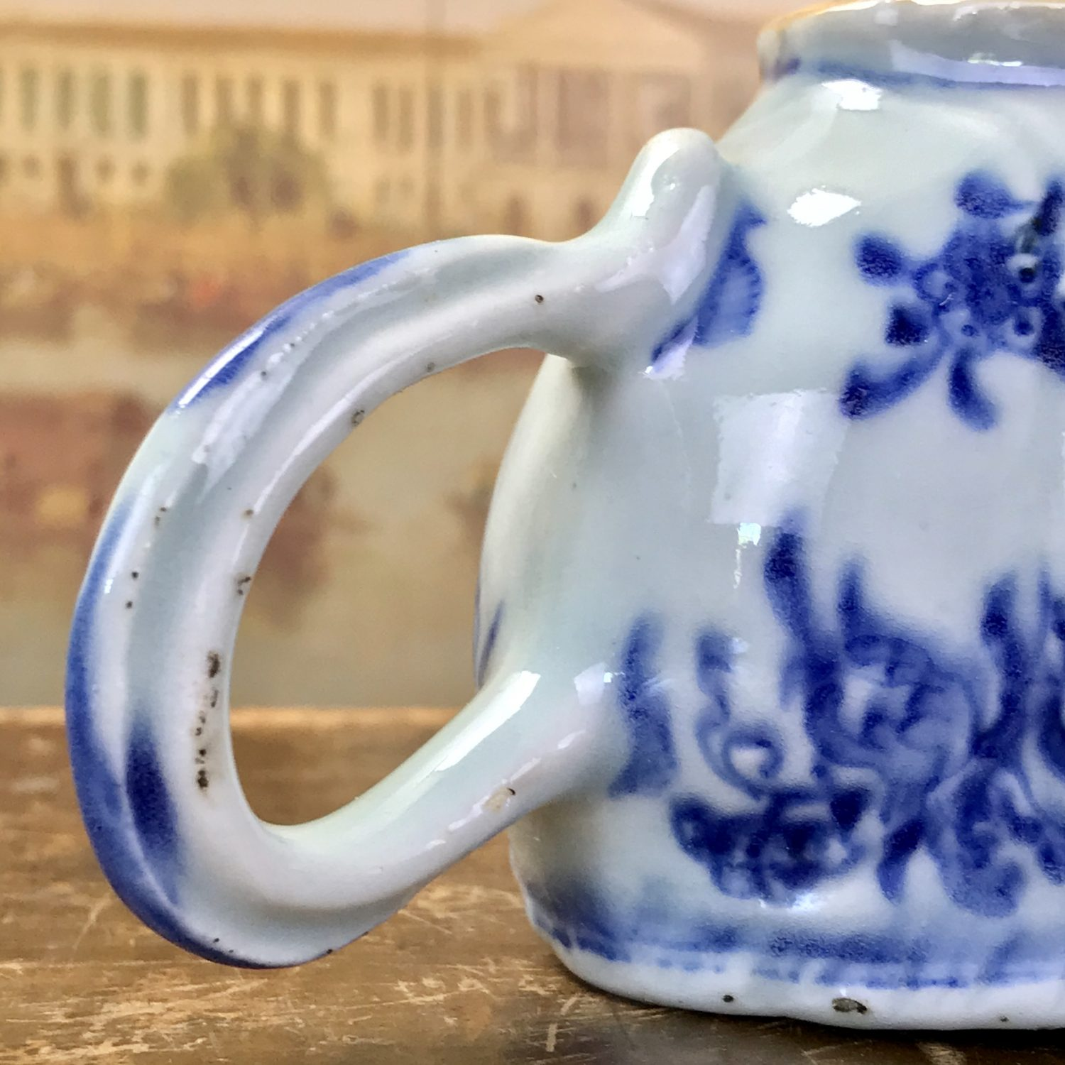 Chinese Export Porcelain Blue & White Sauceboat (a)
