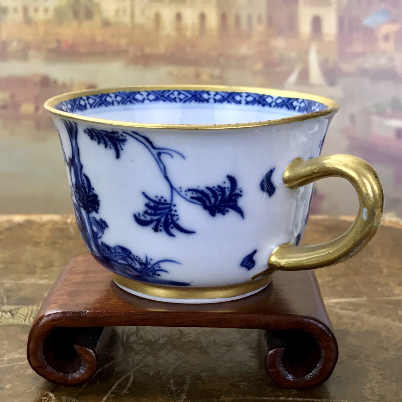 Unusual C18th Chinese Export Porcelain 'Porringer' Shape Tea Cup, c1770