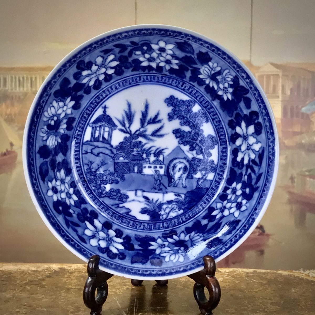 Chinese Export Porcelain 'Elephant' Pattern Saucer (b)