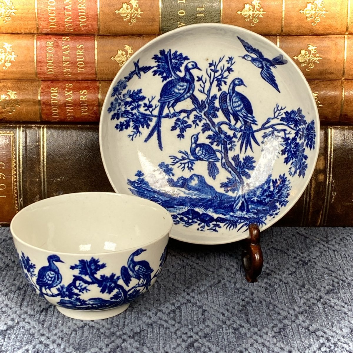 Worcester Blue & White Tea Bowl & Saucer – Birds