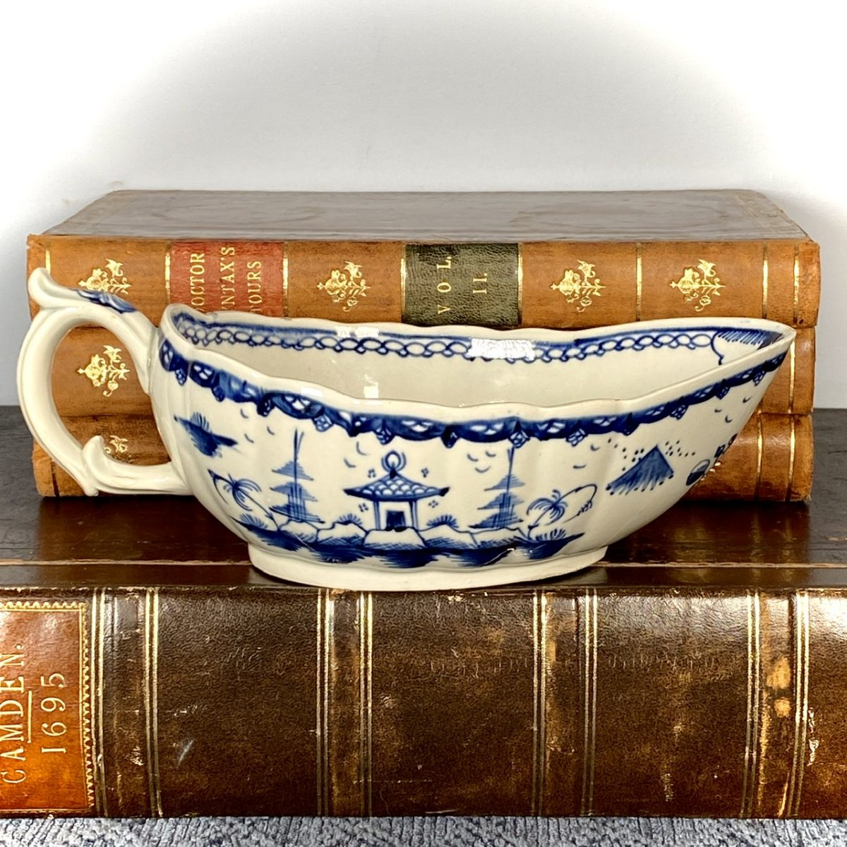 Late C18th English Pottery Chinoiserie Sauceboat