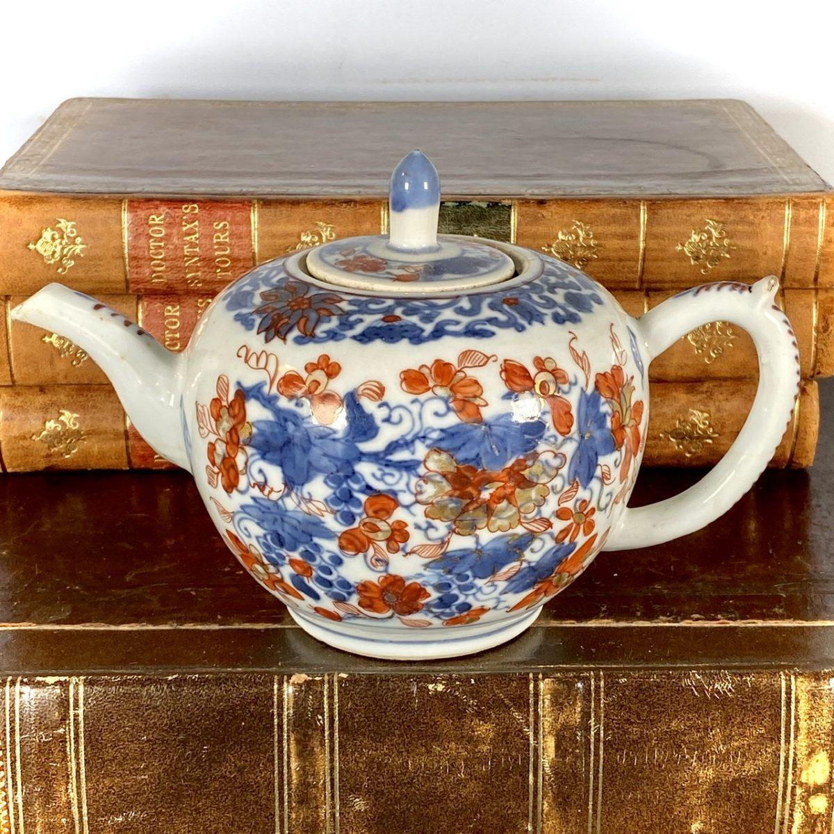 C18th Chinese 'Imari' Teapot & a Lid (af)